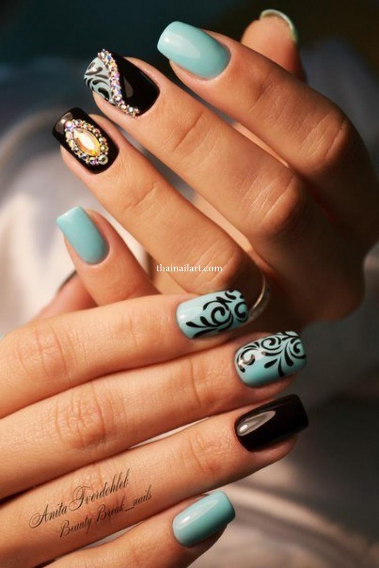 lace-pattern-nails