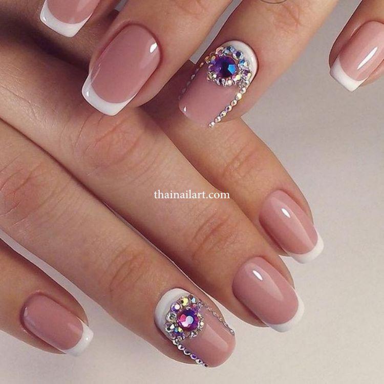rhinestones-nails