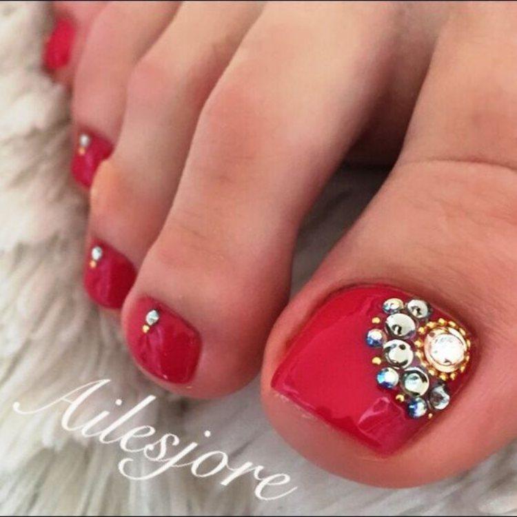 Beautiful toe nails