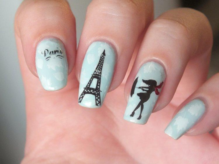 Paris Eiffel Nail art