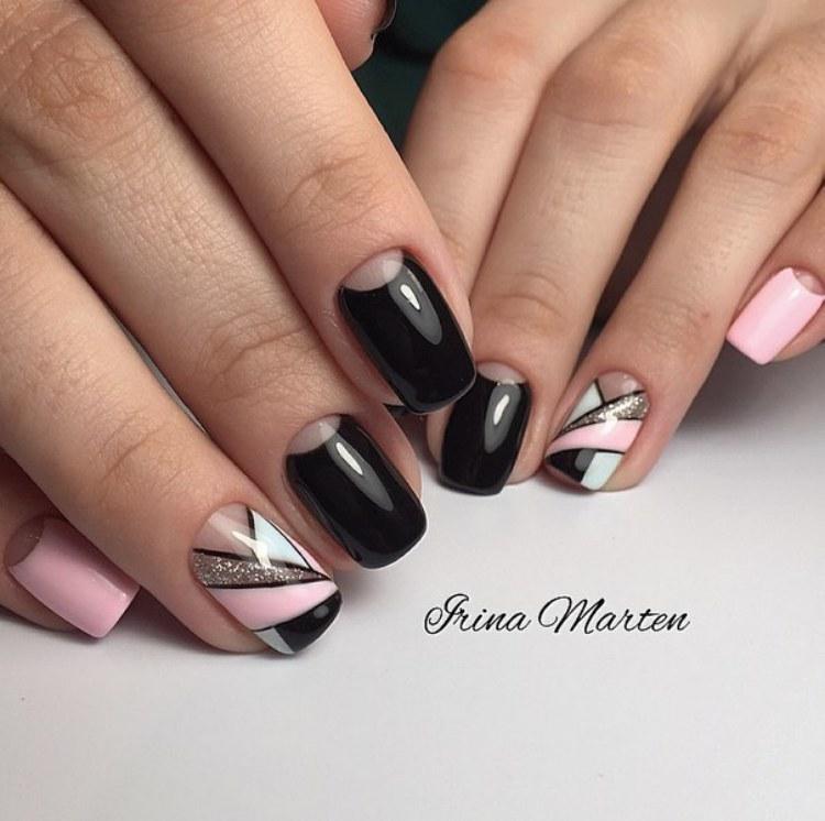 Retas Half moon nails