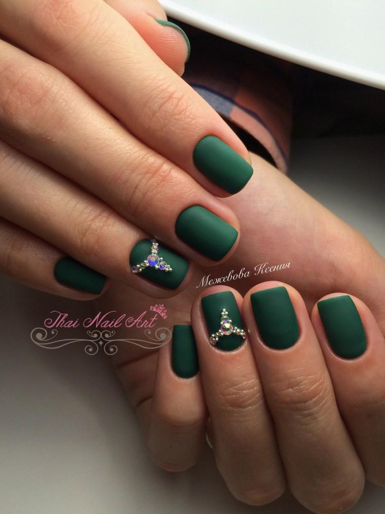 เล็บเจลสีเขียว
