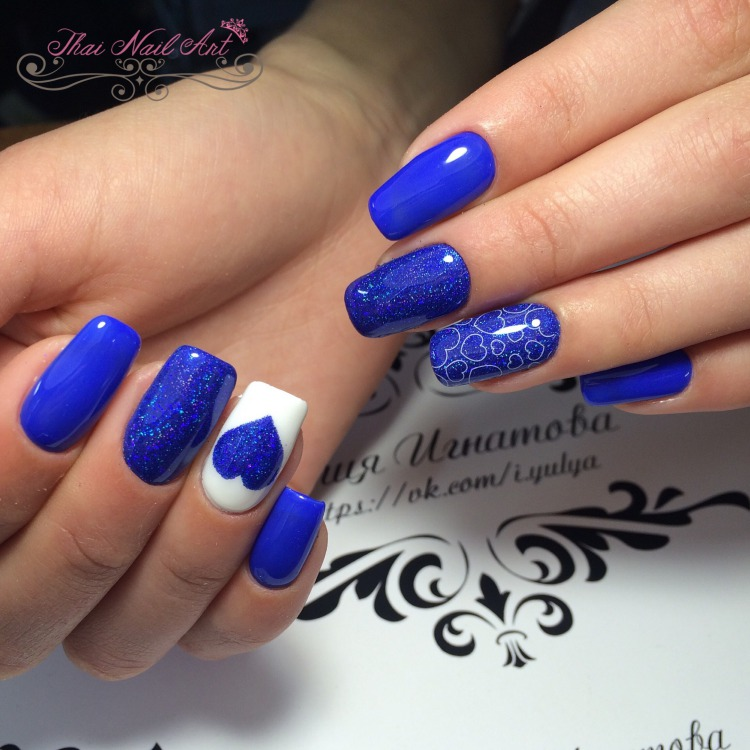 Blue Gel nail art