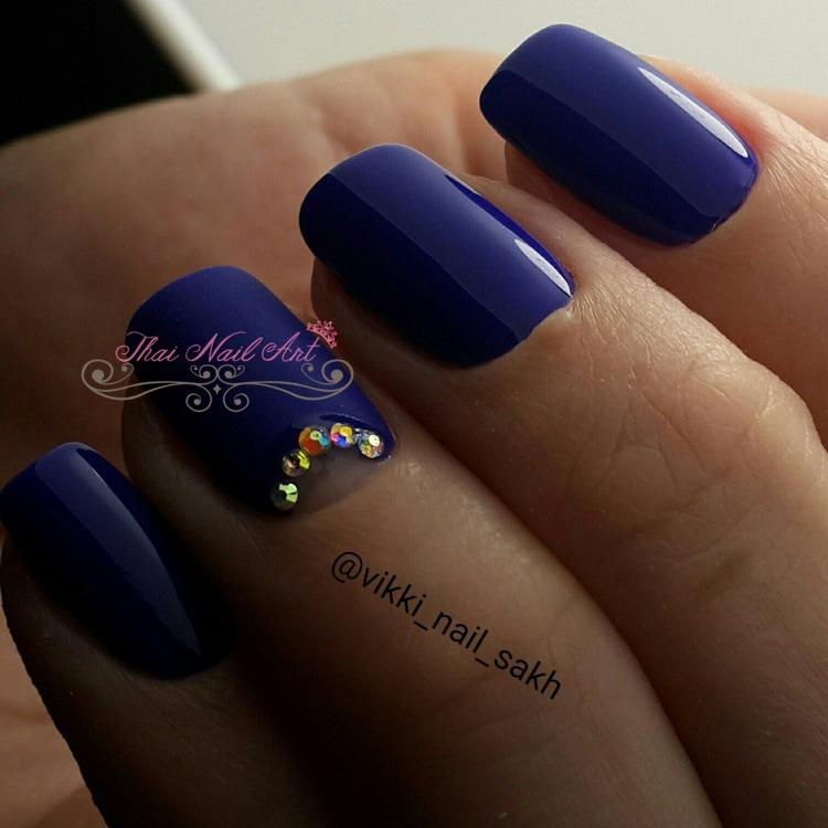 Blue Gel nail art